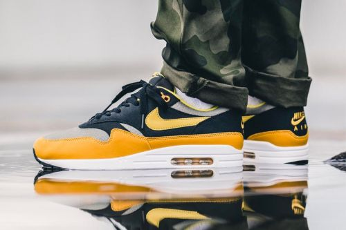 """An On-Feet Look at the Nike Air Max 1 """"Elemental Gold"""""""