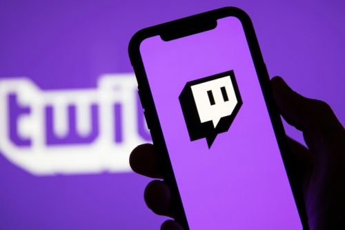 Teenager Spends Almost $20,000 USD in Twitch Donations With Mother's Debit Card