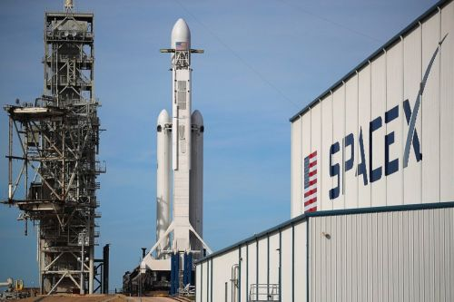 SpaceX to Proceed With First Crewed Spacecraft Launch