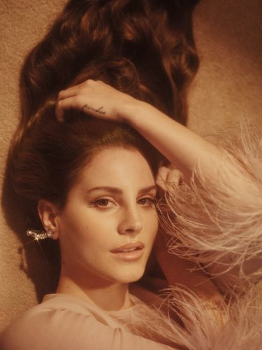 Lana Del Rey says that her new album will be out in September