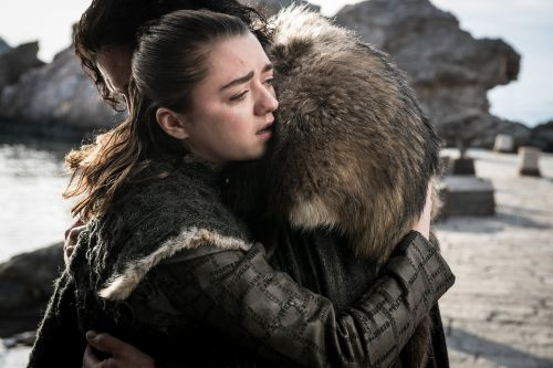 Counselors on call to give 'Game of Thrones' fans grief therapy