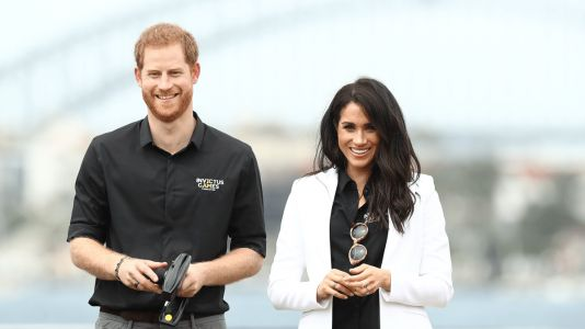 Meghan Markle Wore a Thing: Mother Denim and Altuzarra Blazer in Australia Edition