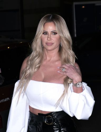 Kim Zolciak-Biermann Gets Mom-Shamed for Letting Her Daughter Wear Makeup: 'Please Let Her Be 5'