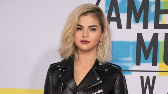 Selena Gomez Debuts Blonde Hair at the AMAs - and TBH, She's Never Looked Hotter