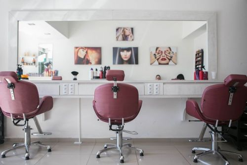 Is Your Pro Beauty License at Risk? Let Elite Beauty Society Guide You