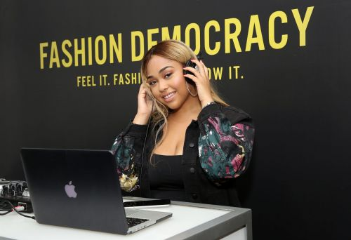 Jordyn Woods Had To Call The Front Desk Person To Get Her Out Of Her Dress And We're Dying