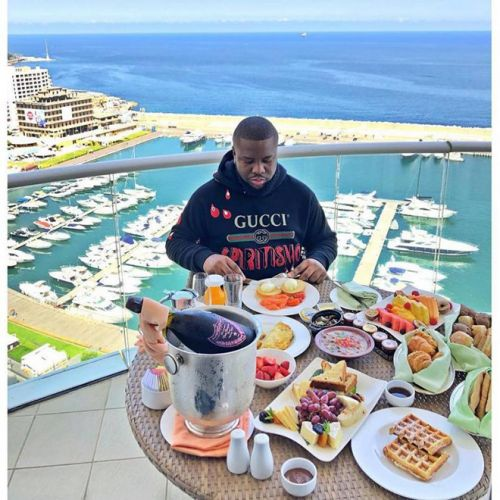 Nigerian 'Billionaire Instagram Influencer' Arrested in Dubai For a $432M Cyberscam