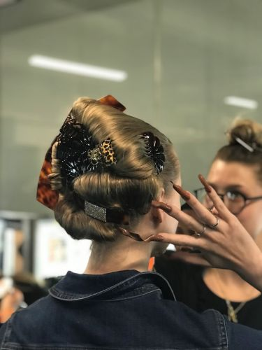 Bourgeois Parisian Hair for the Post-Internet Age