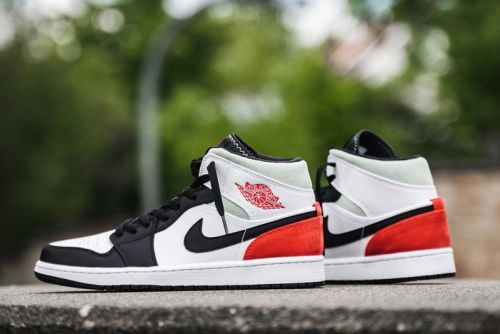 """Air Jordan 1 Mid SE """"Track Red"""" Offers Union-Style Colorblocking"""