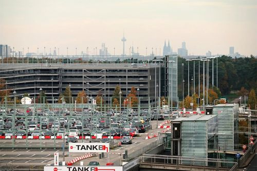 4 hacks on leaving your car in long term airport parking