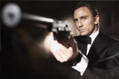 Daniel Craig Returns to His Rightful Role as 007 in Upcoming Bond Film
