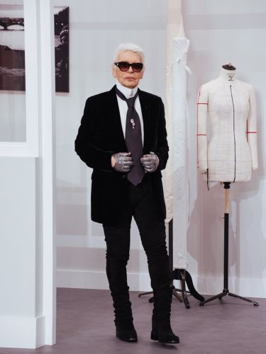 Legendary Chanel designer Karl Lagerfeld has died