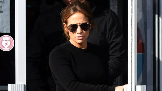 Jennifer Lopez Shows Off Her Curves in Tight Yoga Pants as She Works Out With BF Alex Rodriguez
