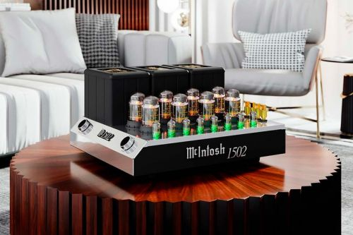 McIntosh's New MC1502 Vacuum Tube Amp Was Made for Serious Audiophiles