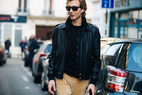 See what the models are wearing off-duty during Paris Men's Fashion Week!