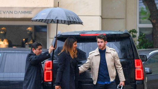 Nick Jonas Proves He's The Ultimate Gentleman While Reuniting With Priyanka Chopra In LA