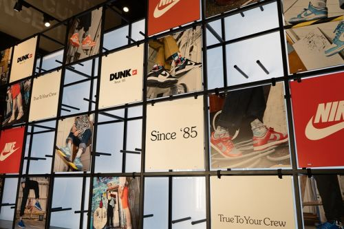 """SNIPES Celebrates New Brooklyn Store Opening with """"Dunks Since 1985"""" Pop-Up Museum"""