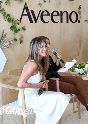 How Jennifer Aniston Uses Down Time To Conjure Don't Eff With Me Energy