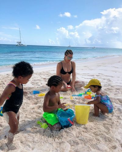 Khloé Kardashian Shares the Most Adorable Vacation Photos With True, Chicago and Saint