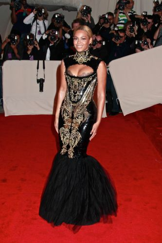 Which Iconic Met Gala Look You Are, Based on Your Zodiac Sign