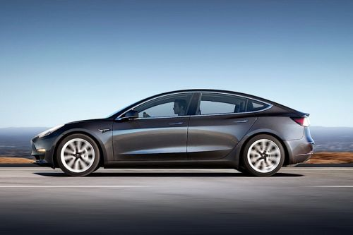 """Tesla Model 3 """"Not Recommended"""" by Consumer Reports Due to Braking Problems"""