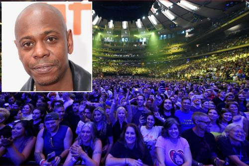 Dave Chappelle sings 'Creep' with Foo Fighters at Madison Square Garden