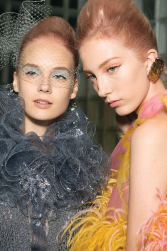 5 Spring/Summer Makeup Trends Straight From the Runways