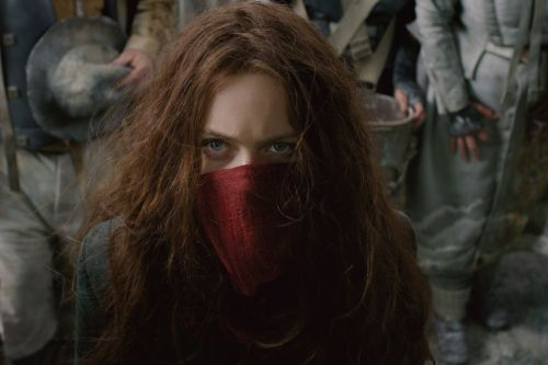 'Mortal Engines' stalls out with a retread plot and soundtrack