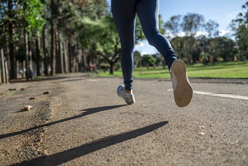 What are compression clothes and why are they popular?